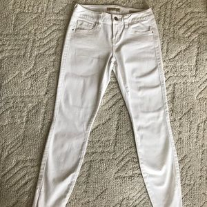 White Guess Jeans Brittney Cropped Size 25