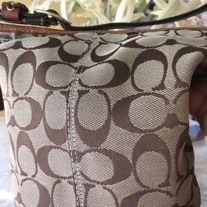 A beautiful small purse!!