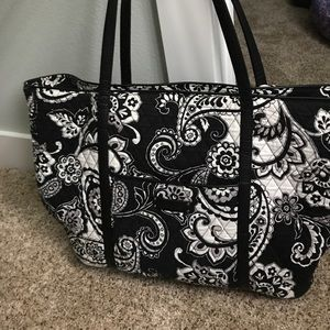 Black and white Vera Bradley large tote