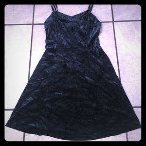 Perfect Christmas Crushed Velvet fitted Mini Dress