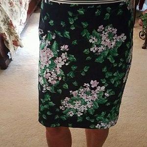 Romantic Talbots floral pencil skirt