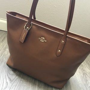 Authentic COACH brown saddle zip tote bag purse