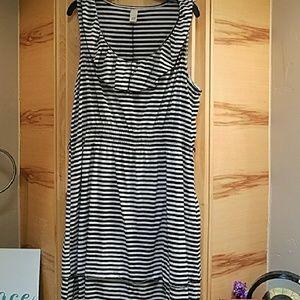 Black and White Dress. Size XL