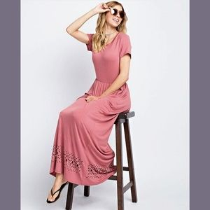 Maxi mauve dress with pockets