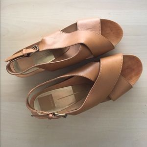 Dolce Vita flatform wood sandals