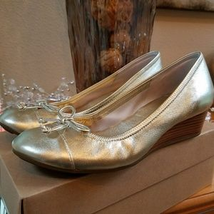 New Cole Haan Air Tali Lace Wedge Gold Size 7