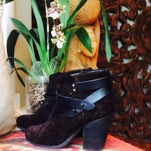 Size 37.5 rag & bone booties