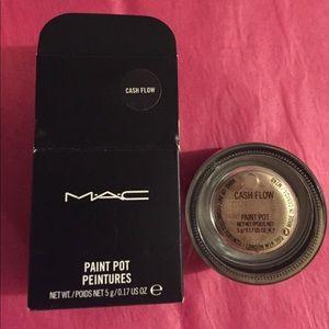 MAC Cosmetics Cash Flow Paint Pot