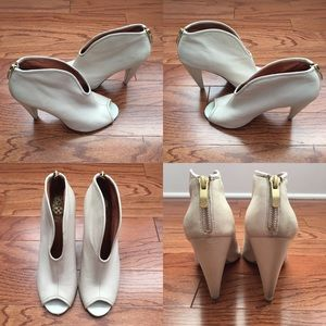 Vince Camuto Leather Heels size 8.5