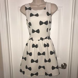 H&M black and white bow dress fit and flare skater