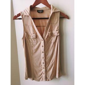 Bebe sleeveless button down top