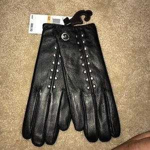 Brand new Michael Kors Leather Gloves size Small