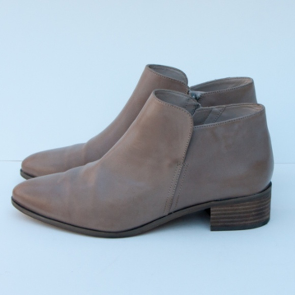 Clarks Elvina Dawn Side Zip Ankle Boots 9.5M