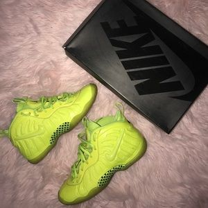 Nike lime little posits size 7youth