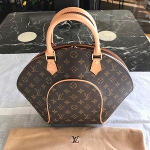 Louis Vuitton Monogram Canvas Ellipse Handbag