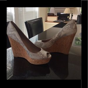 Vince Camuto Wedges Size 7.5 Silver