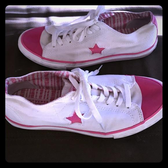 5e8eec4e5478 Converse Shoes - Converse One-Star- pre-loved