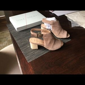 Sole Society stacked peep toe sandal taupe.