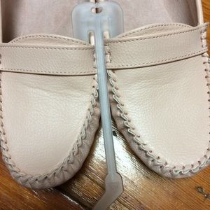 COMFORTABLE loafer driving shoes in barely pink!