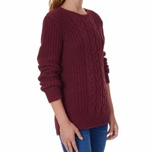 Tops - Just in! New cableknit sweater