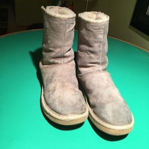 UGGS Bluish Gray Suede Fleece Lined Low Boots s8