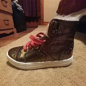 Osirus shoes