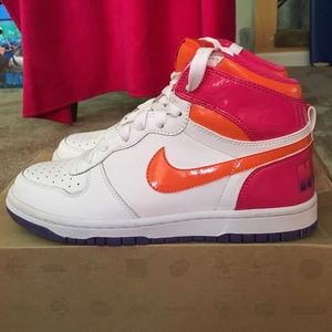 Women's Big Nike Dunk High Top Le  (size 7)