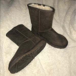 Brown leather UGG boots - GREAT CONDITION!