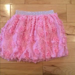 HUGE CLEAROUT Adorable skirt size 3t