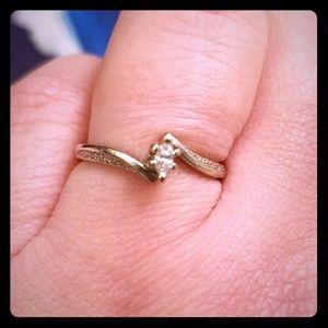 Jewelry - Size 4.5 diamond ring