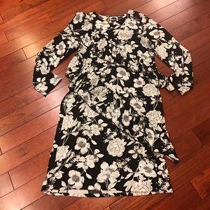 👗Asos black and white floral ruffle midi dress