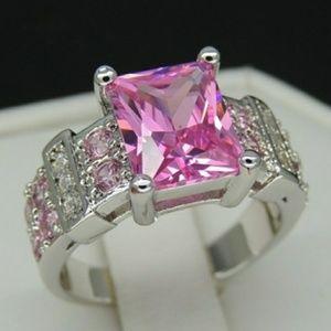 Gorgeous 5ct Emerald Cut Ring- sz 7
