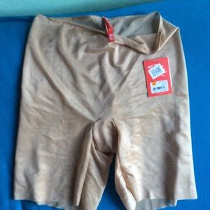 SPANX sheer next to naked shaper shorts size S/P