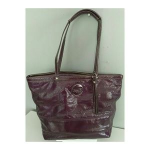 👜Coach Signature Patent Leather Stitched Tote