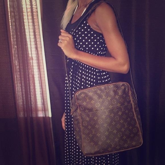 f463a8c8c2f5 Louis Vuitton Handbags - Authentic Louis Vuitton Marceau Messenger