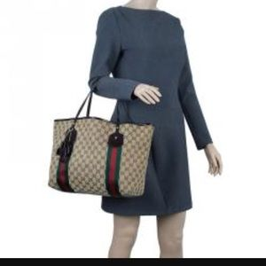aa143cdce3a0 Gucci Bags - Authentic Gucci Jolie Large Tote Bag