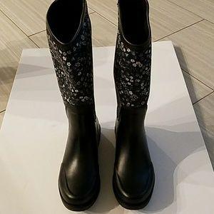 New Ugg rainboots sz6 black