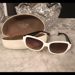 Coach White And Black Sunglasses And Case