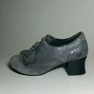 BORN Leather kiltie ankle boots sz 7.5