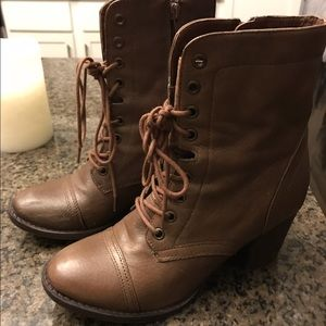 STEVE MADDEN BROWN BOOTS - 7.5