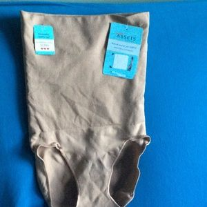 SPANX ultra slimming high waisted panties size XL