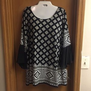 Plus Size Geometric Black and White Print Shirt