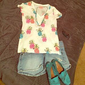 White V-neck rainbow pineapple tee shirt