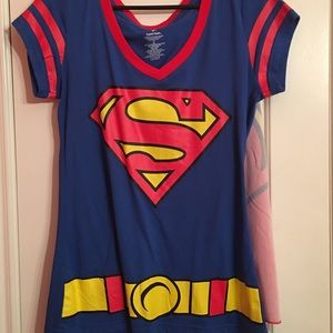 Superman Women's Top with Cape