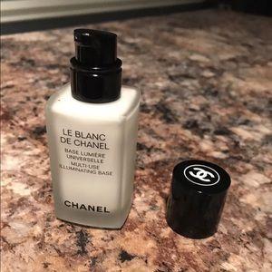 Chanel Illuminating Base. Authentic.