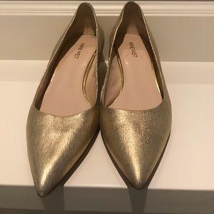 Gold leather kitten heels