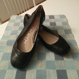 Black Leather Toms Flats- Size 7