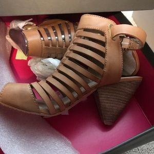 Vince Camuto shoes size 8.5M