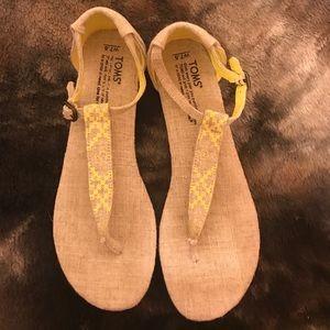 Toms Neon Yellow Burlap Sandals! Size 7.5!