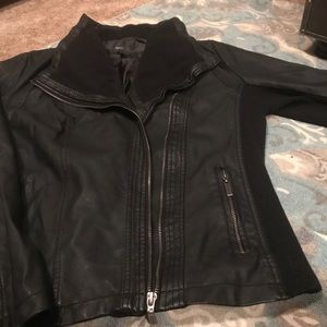 Mossimo Bomber jacket black. Sz XL. Like new!